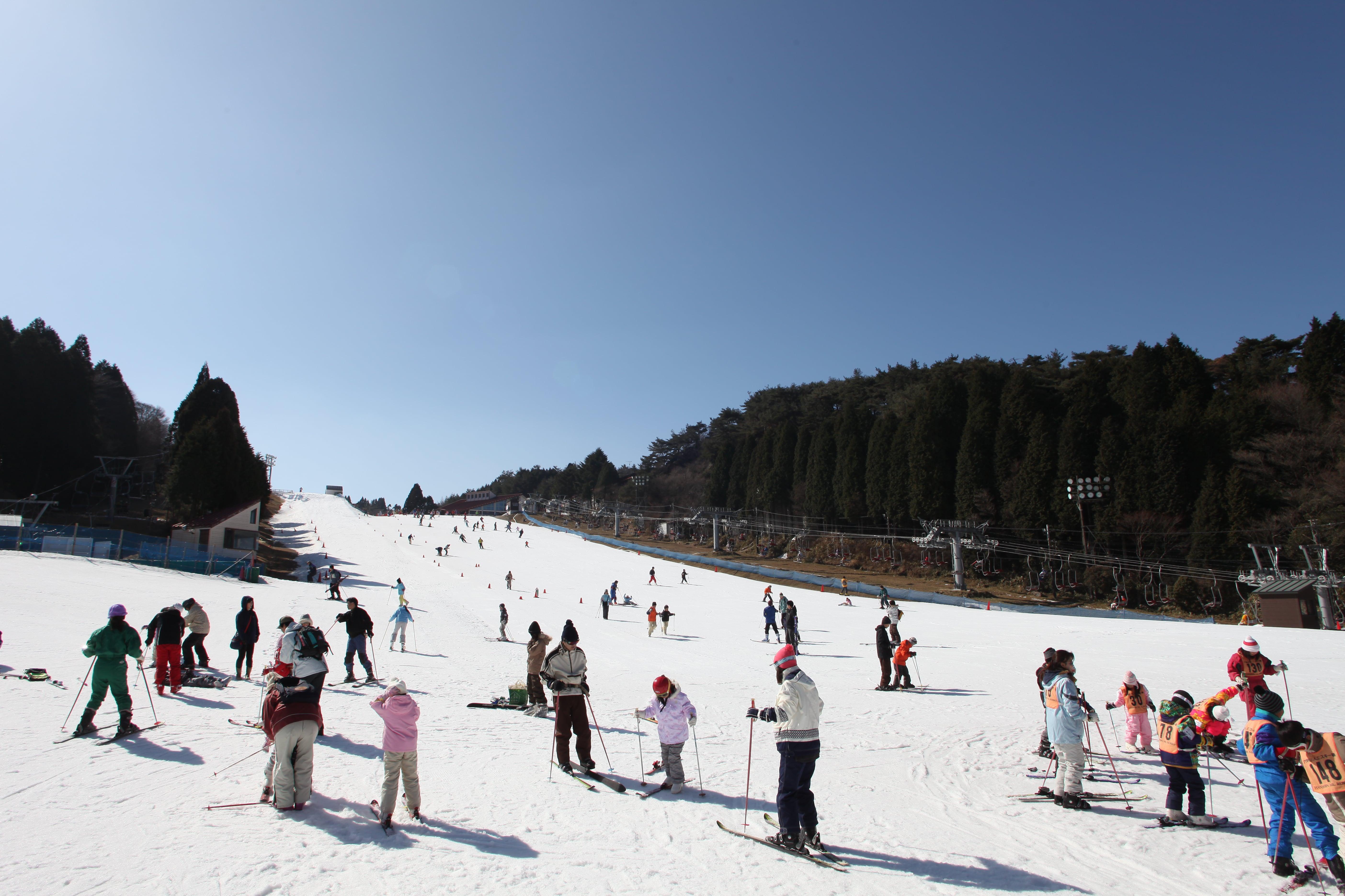 六甲山スノーパークでウインタースポーツを満喫!!