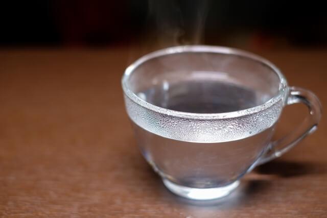 """冬場の水分補給は""""白湯""""で"""