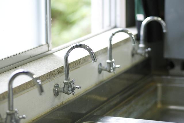 学校の水道水、飲んでましたか?