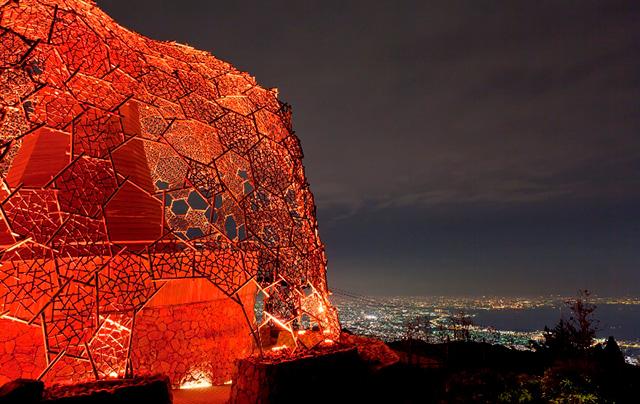 六甲ガーデンテラスの展望台で「六甲山光のアート・オータムバージョン」やってます!
